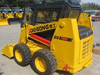 德工 DG750 滑移装载机