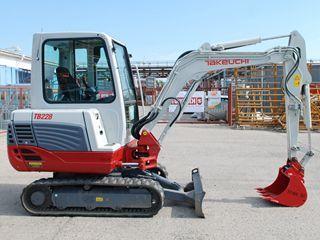 竹内TB228挖掘机