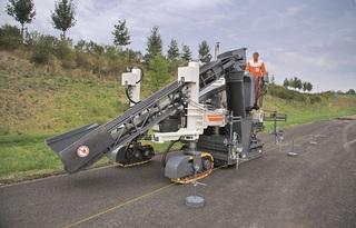 维特根 SP15 水泥摊铺机