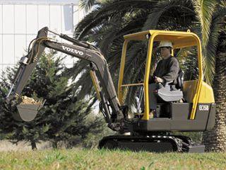 沃尔沃EC15B挖掘机