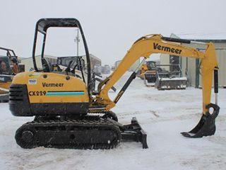 美国威猛 CX229 挖掘机