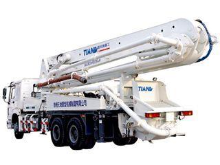 鑫天地重工 XZQ5260THB-37 泵车