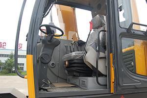 恒特重工HTL106挖掘机