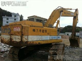 加藤HD700C2挖掘机