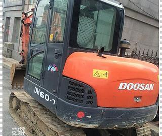 斗山DH60LC-7挖掘机
