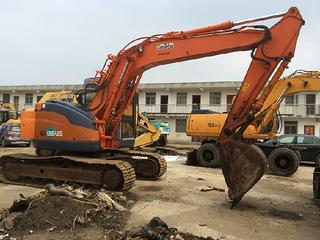日立ZX135US-E挖掘机