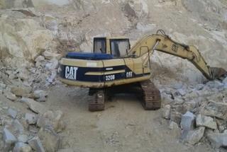 卡特彼勒320A挖掘机