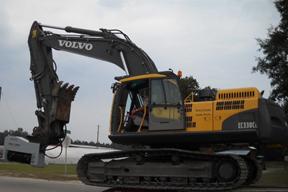 沃尔沃EC330CL挖掘机