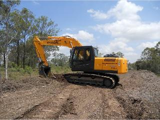 现代R210-7挖掘机