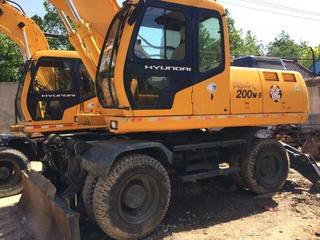 现代 R200W-5 挖掘机图片