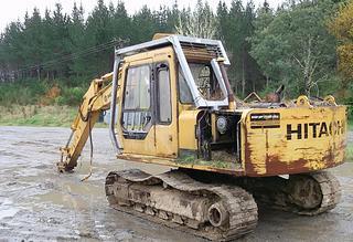 現代 R130WD-5 挖掘機圖片