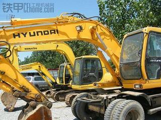 現代 R130W-3 挖掘機圖片