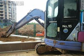小松PC75UR挖掘机