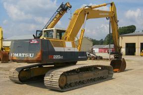 小松PC220LC-5挖掘机