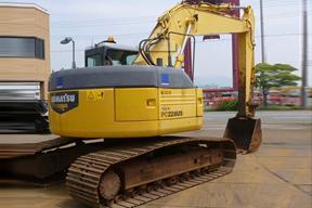 小松PC228US挖掘机