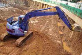 小松PC128UU挖掘机