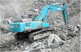 神钢SK480-8挖掘机