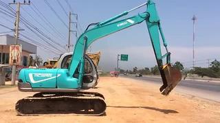 神钢SK120-2挖掘机