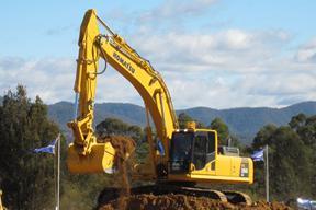 小松PC350LC挖掘机