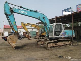 神钢SK220-3挖掘机