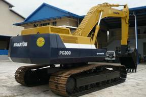 小松PC300-5挖掘机