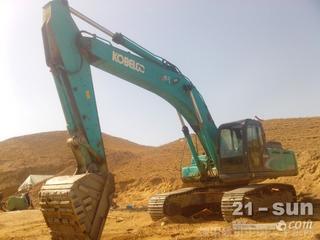 神钢SK200LC挖掘机