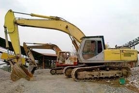 住友SH300挖掘机