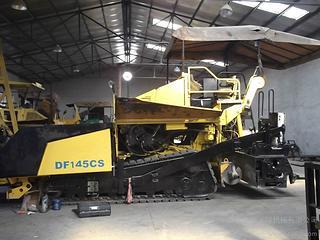 德马格 DF140CS 沥青摊铺机