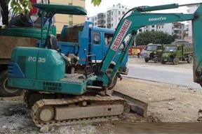 小松PC35-7挖掘机