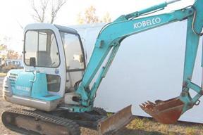 神钢SK035挖掘机
