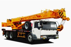 中国重汽 12吨 起重机