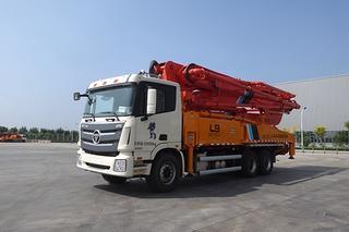 福田雷萨 BJ5339THB6RZ47红黄 泵车