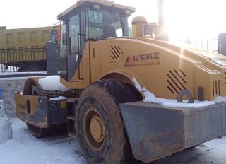 山东临工LGS822压路机