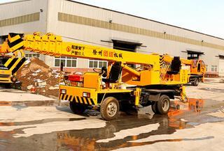 凯诺机械 5吨自制底盘 起重机
