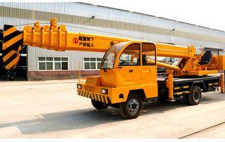 凯诺机械 8吨自制底盘 起重机
