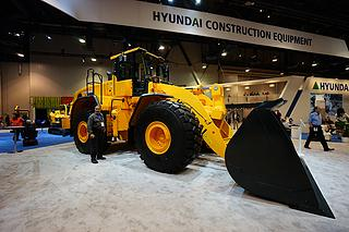 現代 HL980 裝載機圖片