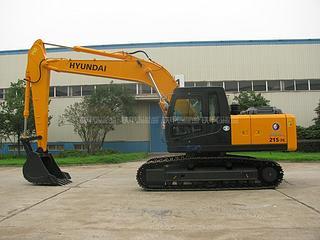 现代 R215-7C 挖掘机