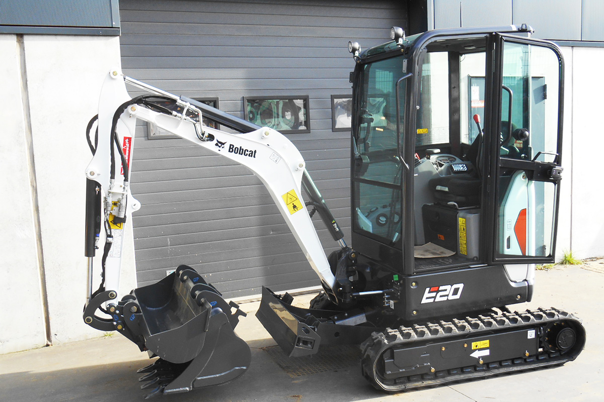 山猫e20挖掘机整机外观