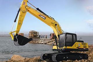 雷沃重工 FR260E 挖掘机