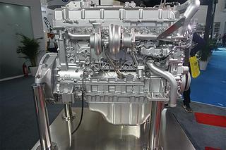 五十铃 6WG1X 发动机图片