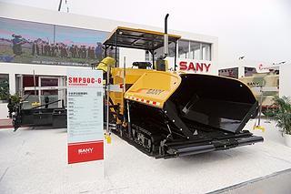 三一重工 SMP90C-6 沥青摊铺机