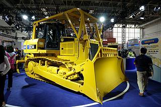 山工 SEM816-森林型 推土机