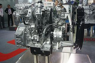 五十鈴 4JJ1X 發動機圖片