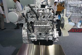 五十铃 4LE2X(Tier4) 发动机图片