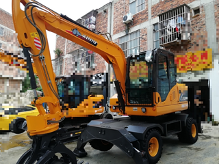 犀牛重工XN90-Y挖掘机