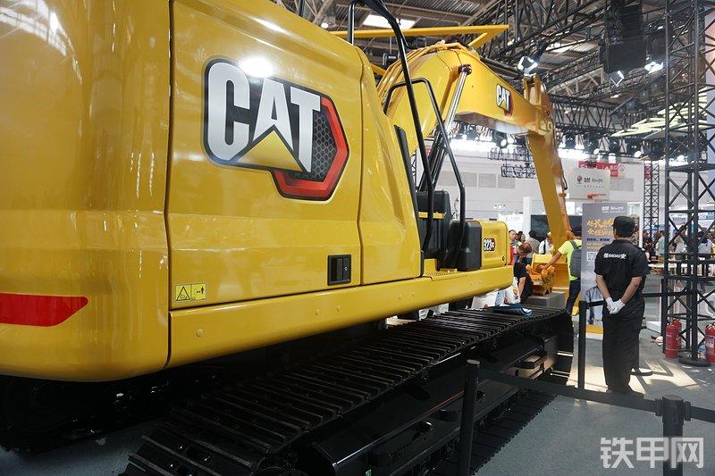 卡特彼勒323GC挖掘机整机外观