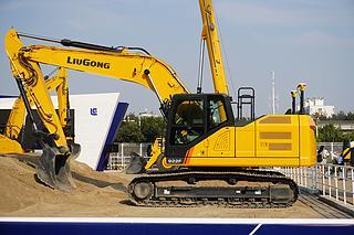 柳工CLG922F挖掘机