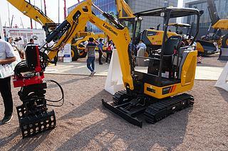 柳工 CLG9018F 挖掘机