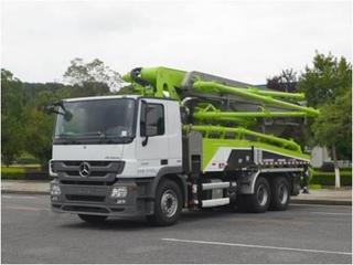 中联重科 ZLJ5300THBBE 泵车