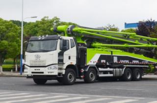 中联重科ZLJ5440THBJE泵车